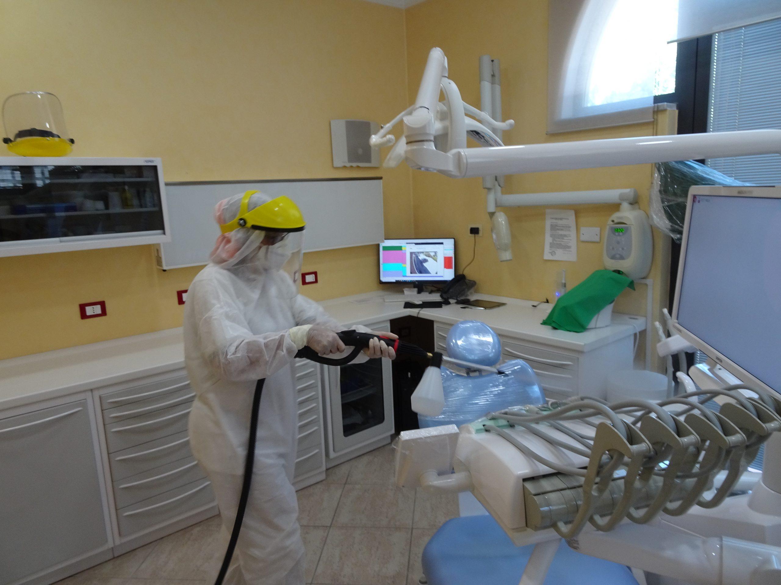 sanificazione studio dentistico lucca