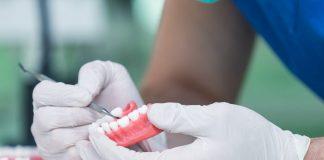 pulizia dentiera